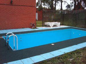 Резиновое покрытие бассейна фото